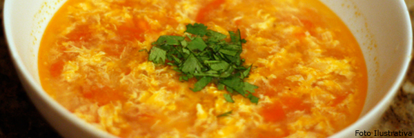 caldo_chines_ovo_tomate