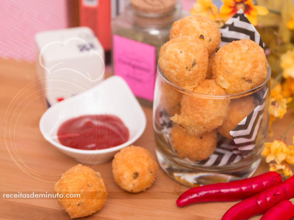 bolinho_de_queijo_3_ingredientes2