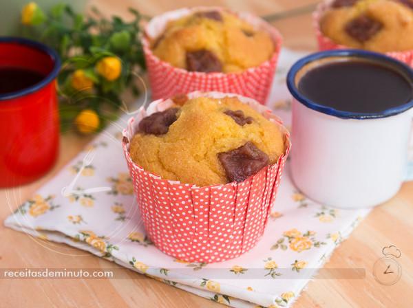 muffin_de_fuba_com_goiabada2