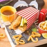 Fish and Chips (Isca de Peixe Empanado com Batatas Assadas)