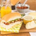 Sanduíche Caprese – Tomates Assados e Maionese de Pesto