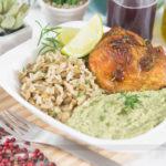 Almoço Completo: Frango Assado com Mostarda e Mel com Purê de Brócolis e Arroz com Lentilha